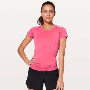 Lululemon | tech t shirt hot pink